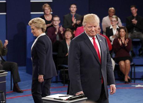 Ve bieu cam cua ong Trump trong cuoc tranh luan voi ba Clinton - Anh 8