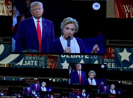 Ve bieu cam cua ong Trump trong cuoc tranh luan voi ba Clinton - Anh 9