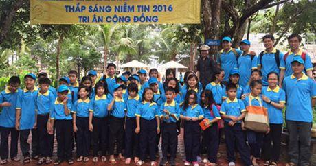 600 hoc sinh khiem thi tham gia chuong trinh 'Thap sang niem tin' - Anh 1