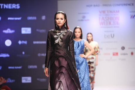 Se co hon 20 show dien an tuong tai Vietnam International Fashion Week - Anh 1