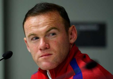 Rooney: Toi se khong roi doi tuyen - Anh 1