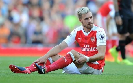 Ramsey tro lai tap luyen, nhung kho doi dau Swansea - Anh 1