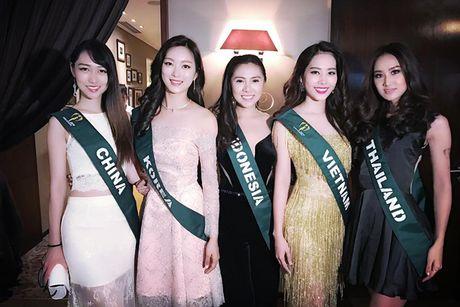Hoa khoi Nam Em do sac cung dan nguoi dep Miss Earth - Anh 1
