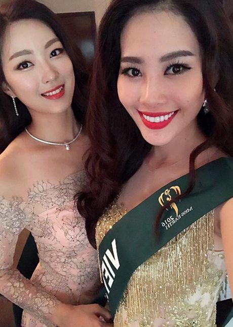 Hoa khoi Nam Em do sac cung dan nguoi dep Miss Earth - Anh 3