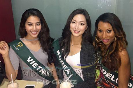 Hoa khoi Nam Em do sac cung dan nguoi dep Miss Earth - Anh 8