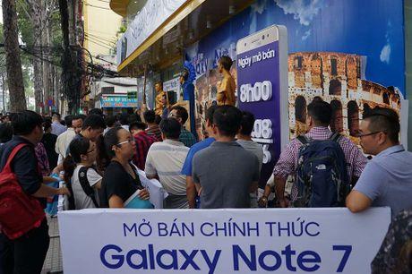 Ngung ban Samsung Galaxy Note 7, khach hang duoc boi thuong - Anh 12
