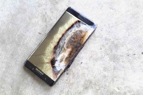 Ngung ban Samsung Galaxy Note 7, khach hang duoc boi thuong - Anh 2