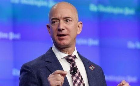 Bi quyet doi mat voi rui ro cua ty phu Jeff Bezos - Anh 1