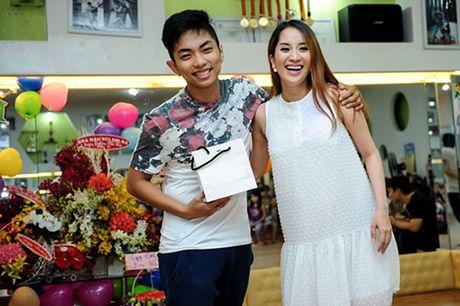 Cuoc song doi lap cua Phan Hien - Khanh Thi va Vu Hoang Viet - Yvonne Thuy Hoang - Anh 1