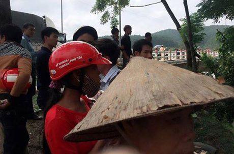 Trung uy Cong an nghi mat tich tren song Ngan Truoi - Anh 2