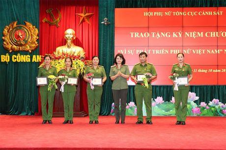 Hoi Phu nu Tong cuc Canh sat mit tinh ky niem Ngay thanh lap Hoi Lien hiep Phu nu Viet Nam - Anh 4