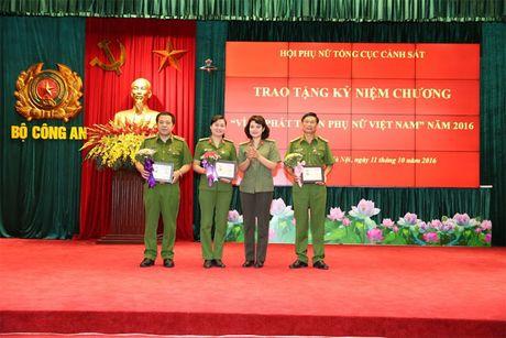 Hoi Phu nu Tong cuc Canh sat mit tinh ky niem Ngay thanh lap Hoi Lien hiep Phu nu Viet Nam - Anh 5