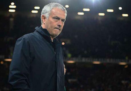 Tin HOT bong da trua 11/10: Mourinho suyt den MU 3 nam truoc - Anh 1