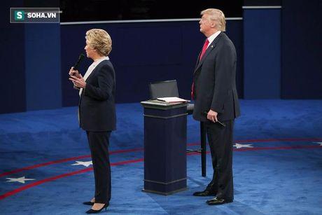 Hanh dong 'bi hiem' cua Trump, Clinton khi tranh luan cho thay dieu gi? - Anh 2