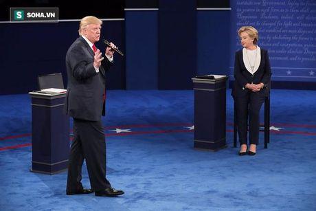 Hanh dong 'bi hiem' cua Trump, Clinton khi tranh luan cho thay dieu gi? - Anh 4