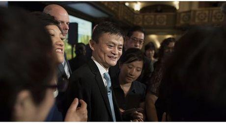 Jack Ma bat tay voi dao dien 'Giai cuu binh nhi Ryan' de chiem linh thi truong phim anh toan cau - Anh 1