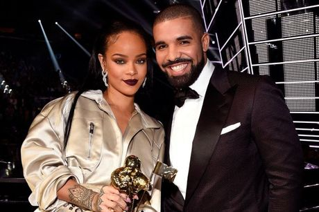 Drake - Rihanna: Lai them mot cap doi Hollywood chia tay vi ke thu ba! - Anh 1