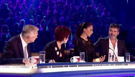 Ai cung 'tiec dut ruot' khi cap doi LGBT nay phai dung chan qua som tai X-Factor UK - Anh 3