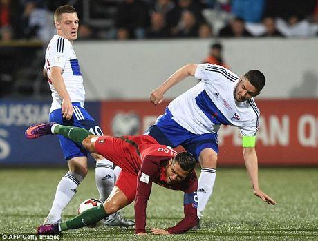 Ronaldo tiep tuc no sung trong chien thang 6 sao cua Bo Dao Nha - Anh 2