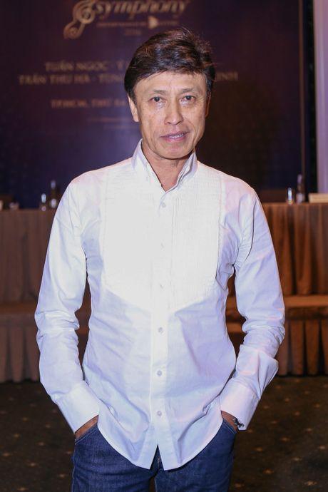 Uyen Linh nan ni duoc hat cung danh ca Tuan Ngoc - Anh 1