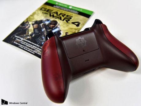 Chiem nguong Xbox One S Gear of War 4 mau do cuc ngau, nang len 2TB o cung - Anh 4