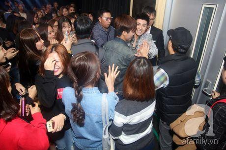 Noo Phuoc Thinh 'pha' kich ban vi su cuong nhiet cua fan Han - Anh 8