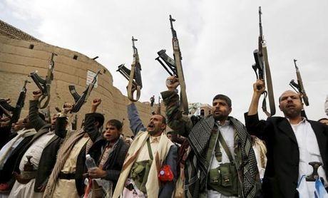 Lien quan Arab danh chan hai ten lua cua luc luong Houthi - Anh 1