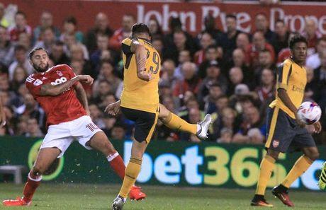 Hang tien ve Arsenal co chieu sau hon luc nao het - Anh 2