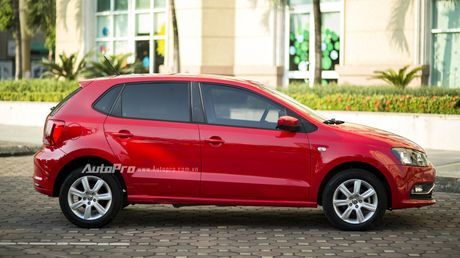 Volkswagen Polo Hatchback - Dung voi 'trong mat ma bat hinh dong' - Anh 1