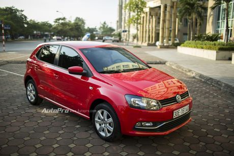 Volkswagen Polo Hatchback - Dung voi 'trong mat ma bat hinh dong' - Anh 2