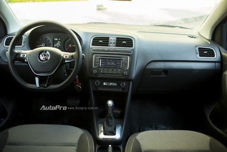 Volkswagen Polo Hatchback - Dung voi 'trong mat ma bat hinh dong' - Anh 4