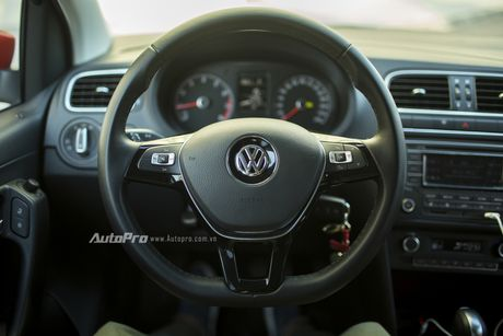 Volkswagen Polo Hatchback - Dung voi 'trong mat ma bat hinh dong' - Anh 5