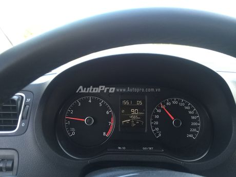Volkswagen Polo Hatchback - Dung voi 'trong mat ma bat hinh dong' - Anh 7