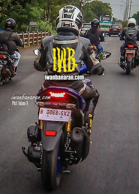 'Tom gon' xe ga cho nam Yamaha NVX 150 sap ra mat tai Viet Nam tren duong thu - Anh 11