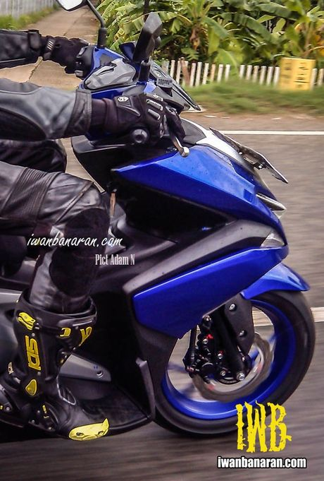 'Tom gon' xe ga cho nam Yamaha NVX 150 sap ra mat tai Viet Nam tren duong thu - Anh 3