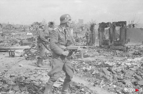 Loat anh kinh hoang mat tran Stalingrad nam 1942-1943 - Anh 14