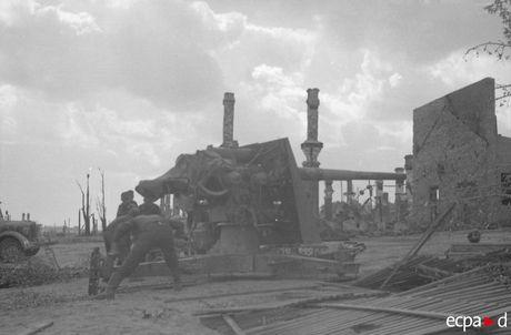 Loat anh kinh hoang mat tran Stalingrad nam 1942-1943 - Anh 18