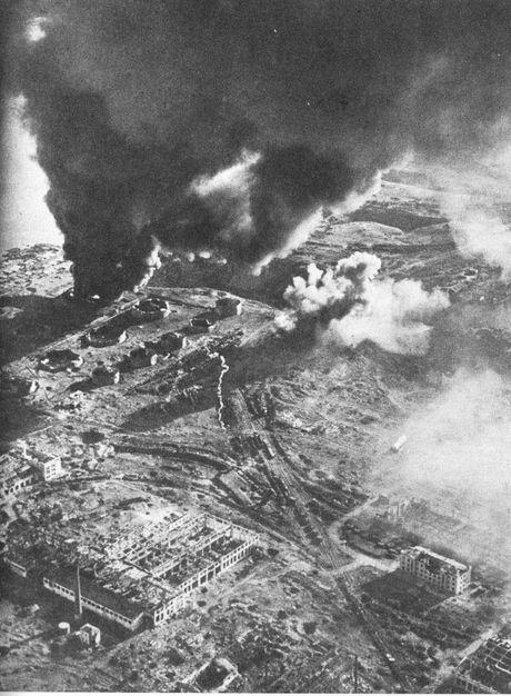 Loat anh kinh hoang mat tran Stalingrad nam 1942-1943 - Anh 1