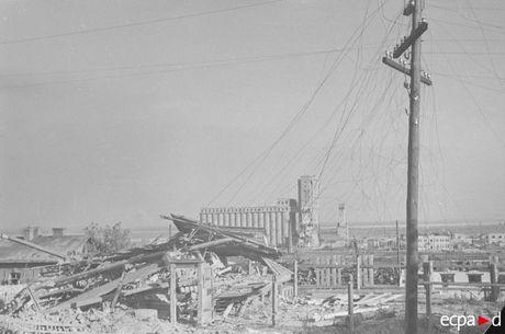 Loat anh kinh hoang mat tran Stalingrad nam 1942-1943 - Anh 8