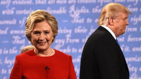 Donald Trump tung video cong kich suc khoe cua ba Hillary Clinton - Anh 1