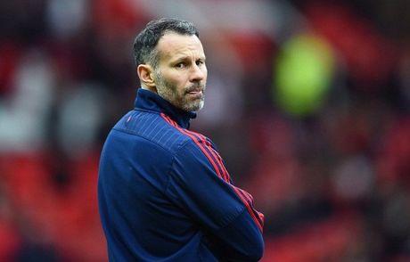 Ryan Giggs: 'Mourinho da sai lam trong cach su dung Rooney' - Anh 1