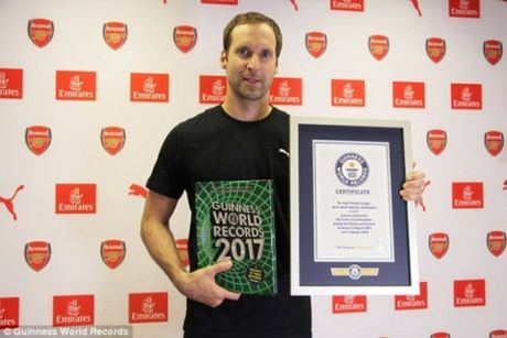 Thu thanh Petr Cech duoc lot vao sach ky luc Guinness - Anh 1