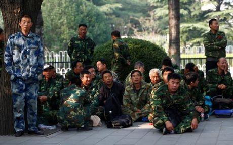 Cuu binh Trung Quoc bieu tinh ngay o Bac Kinh - Anh 3