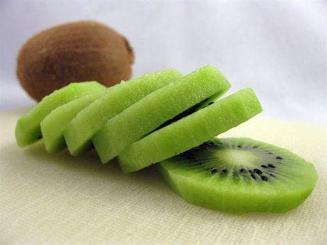 Kiwi 25 ngan dong/kg lua ban 170 ngan: Cach phan biet kiwi 'xin' voi kiwi Trung Quoc - Anh 2