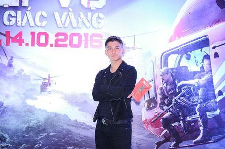 Dustin Nguyen tinh tu om eo Bebe Pham di xem phim - Anh 5