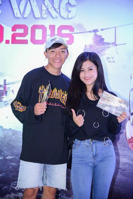 Dustin Nguyen tinh tu om eo Bebe Pham di xem phim - Anh 7