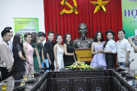 10 thi sinh vao chung ket 'Giong hat hay Ha Noi' nam 2016 - Anh 1