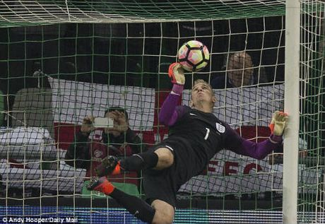 DT Anh hoa that vong: Southgate phai cam on Joe Hart - Anh 1