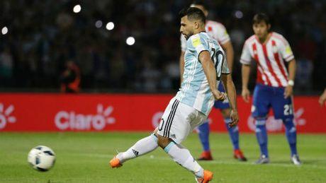 """Argentina thua tham, """"toi do"""" Aguero van duoc tha thu - Anh 1"""