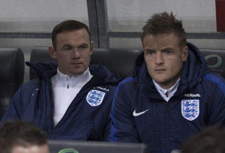 Huyen thoai 'mat gia', Ryan Giggs hien ke cho Mourinho - Anh 3